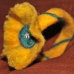 Bratara handmade – fetru – galbena
