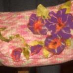 Geanta tricotata – flori mov